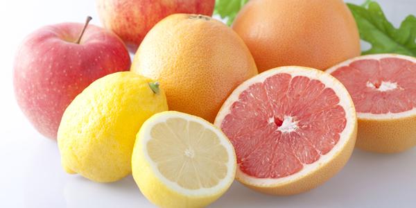 1日のビタミンC摂取量は?美白に効果的な栄養素と食べ物・飲み物