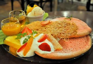 夏を更に盛り上げるイベント「パンケーキツアーズⅡ」が開催中!!