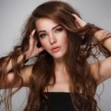 パサパサな髪を美しい髪に女性