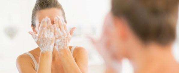 水だけ?洗顔料?朝洗顔の悩みを徹底解決!