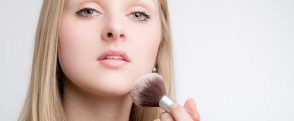 脱化粧崩れ!朝の肌を夜までキープするファンデーションの塗り方