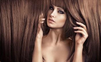 美しい髪の毛の美女