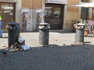 Trash in Rome