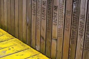 De gele brug is grotendeels bekostigd door particulieren en bedrijven.