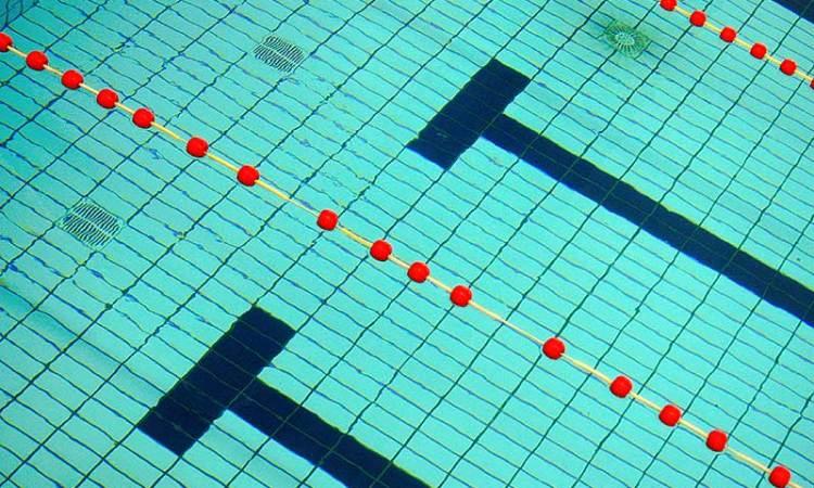 De hel van het zwembad