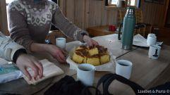 Cake, tea and blackcurrant