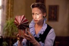 """40-metį švenčianti filmo """"Išvarymas"""" aktorė Vera Farmiga prisipažino po šio vaidmens iki šiol negalinti naktį ramiai miegoti"""
