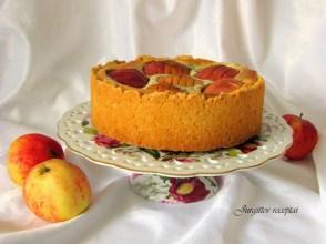 Obuoliu pyragas su aguonom ir varske