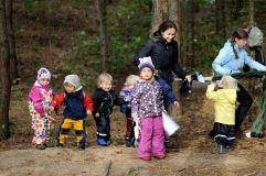 Ko netenka šiuolaikiniai vaikai? Lauko pedagogikos įtaka mažiesiems