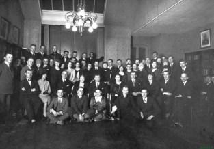 1927 m. Lietuvos pasiuntinybės bibliotekoje