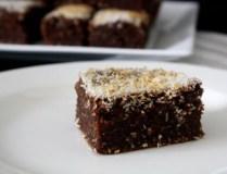 Šokoladinis pyragas su kokosų pienu