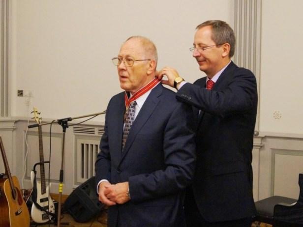 """Vincui Bartusevičiui buvo įteiktas URM garbės ženklas """"Lietuvos diplomatijos žvaigždė"""""""
