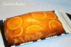Pyragas su apelsinais ir medumi