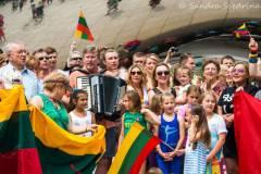 """JAV Šokių šventės dalyviai """"Tautiška giesme"""" pasveikins Lietuvą"""