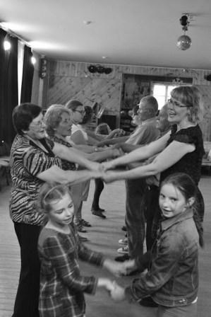 Liaudies šokyje amžiaus ribos nėra