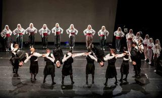 Joaninos tradicinių šokių grupė iš Graikijos