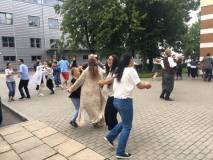 """Kinė: """"Lietuvių liaudies šokiai padeda suartėti su žmonėmis iš viso pasaulio"""""""