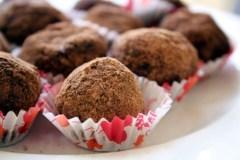 Šokoladiniai žemės riešutų rutuliukai