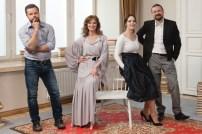 """Spektaklis """"Pasikalbėk su manimi eilėmis"""". Iš kairės Jokūnas Bareikis, Virginija Kochanskytė, Valda Bičkutė, Mindaugas Valiukas. Giedriaus Jurkonio nuotr."""