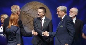 Profesoriui V. Šikšniui Norvegijoje įteikta elitinė Kavli premija