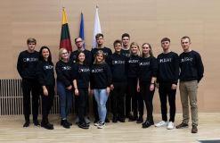"""Vilniaus universiteto studentai prestižiniame """"iGEM"""" konkurse JAV pelnė aukso medalius"""