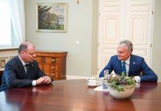 """Prezidentas: """"Kitų metų biudžete turi atsispindėti gerovės valstybės idėja"""""""