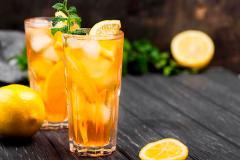 Kaip pasigaminti skanią šaltą arbatą: trys receptai