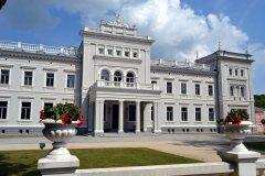 Atkurti M. Oginskio rūmai Plungėje laukia lankytojų