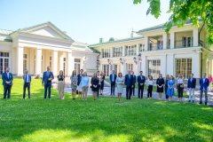 """Prezidentas: """"Lietuva visada laukia sugrįžtančio pasaulio lietuvių jaunimo"""""""