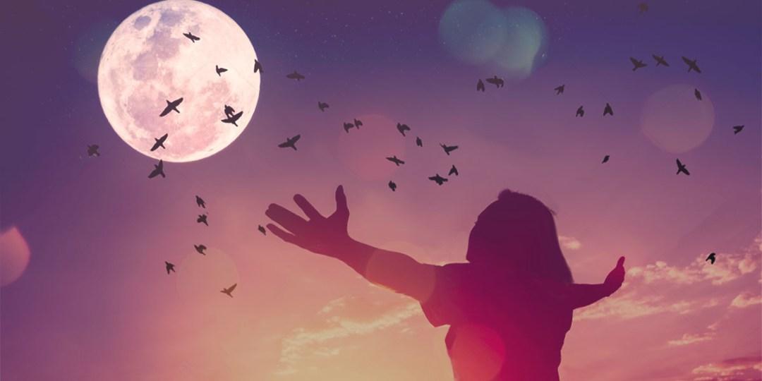 Yule Feast - Women looking at the moon