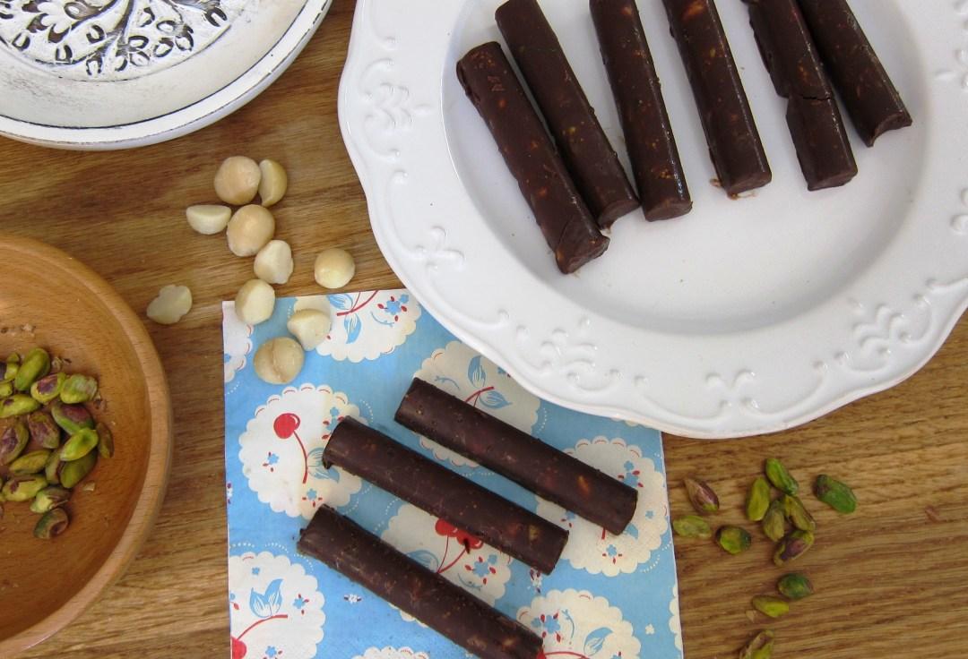 Fig, Macadamia & Pistachio Chocolate Bars (healthy, sugar-free, dairy-free)