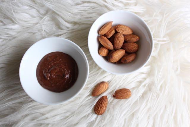 Healthy Nutella-For-One (dairy-free, sugar-free)