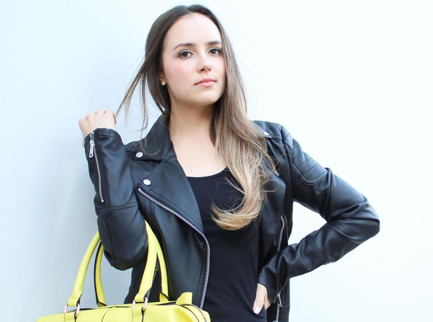 "My Natural Make-up Look: ""All Black + Pop Of Yellow"" Shoot"