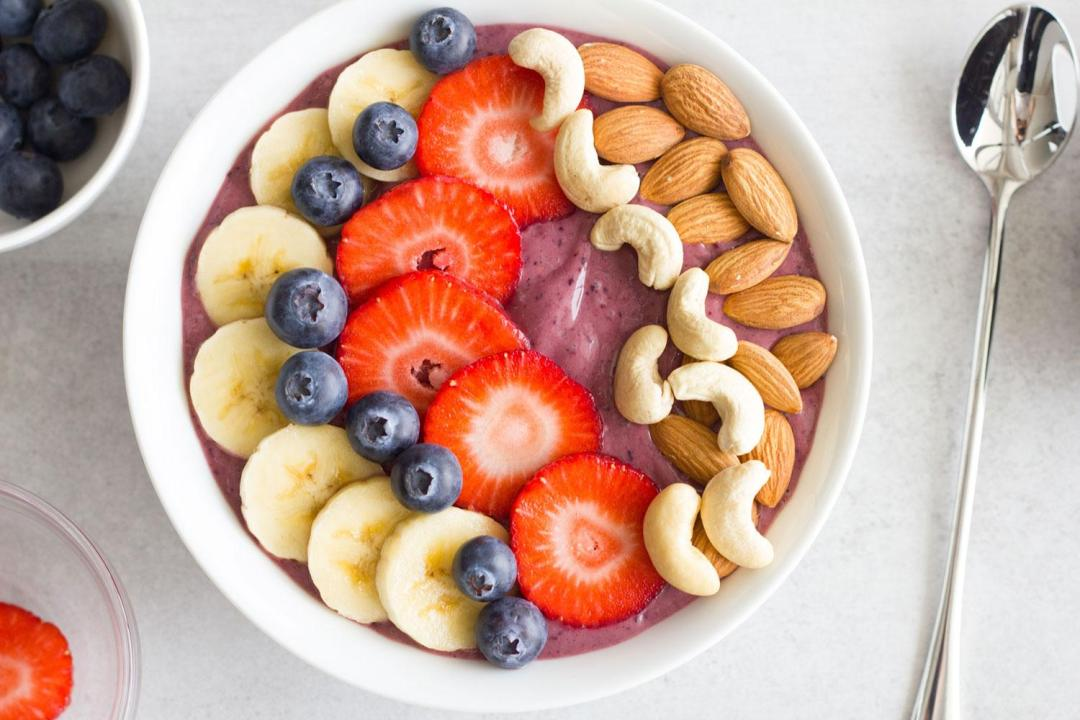 HOW TO MAKE THE BEST ACAI BOWL – HEALTHY BREAKFAST IDEA!