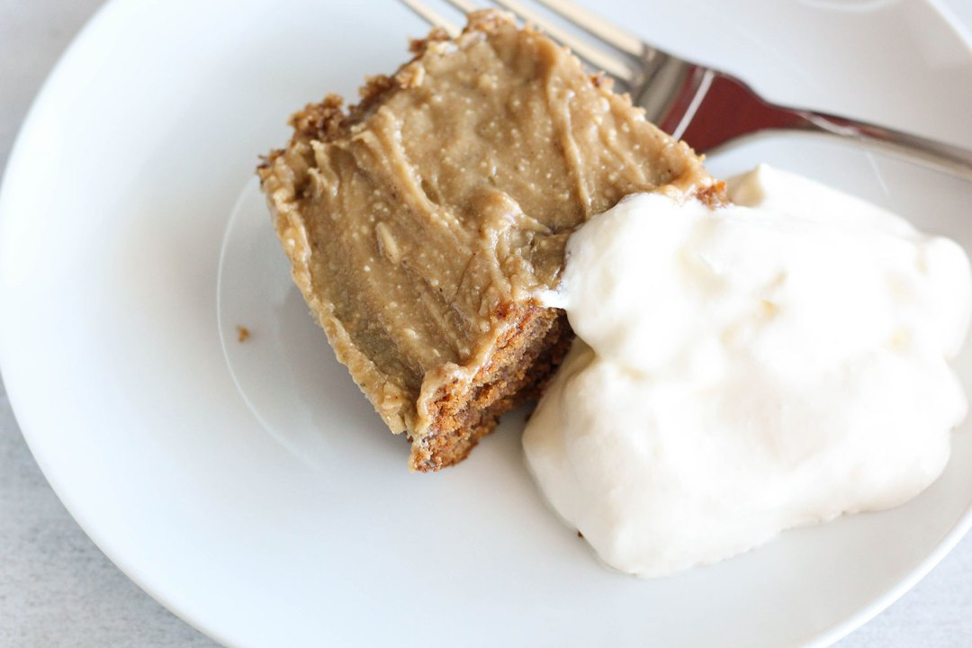 MY HEALTHY STICKY TOFFEE PUDDING + COCONUT CREAM RECIPE