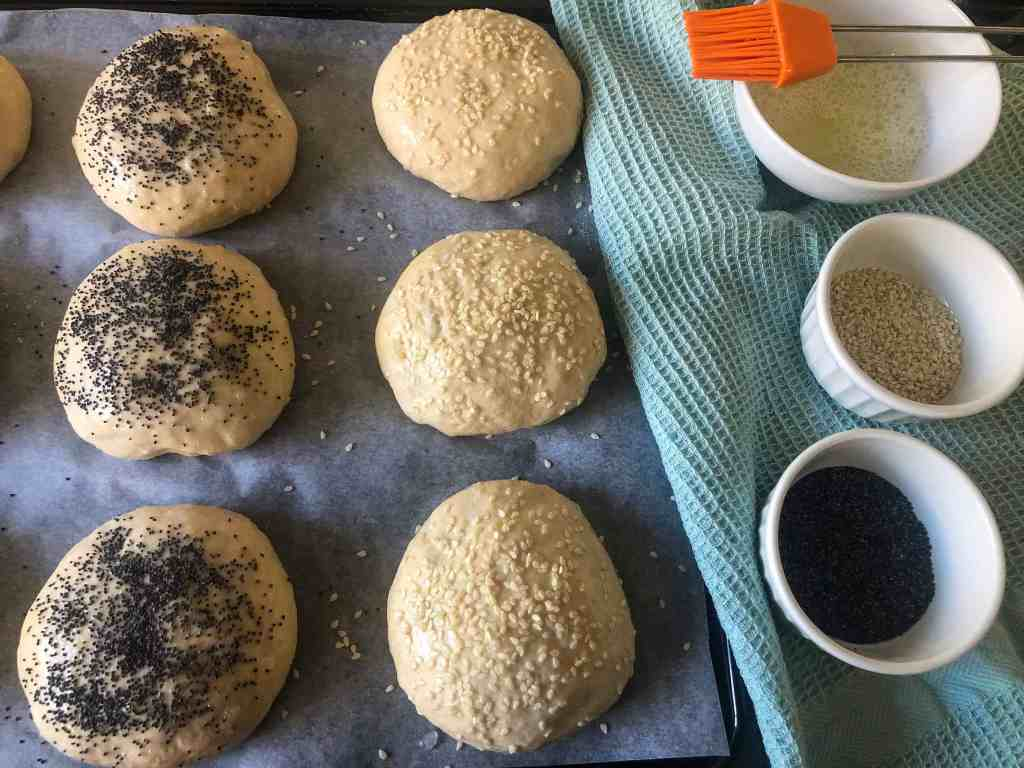 Spelt hamburger rolls - before baking