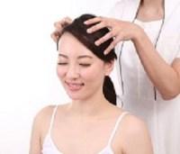 女性の薄毛の対策方法は?シャンプーの効果は?男性用の育毛剤は?