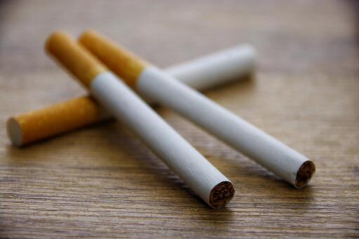 【議論】たばこ吸ってる女ってあり?なし?