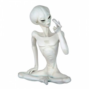 alien-smoking-cigar-1134-life-size-realistic-space-model