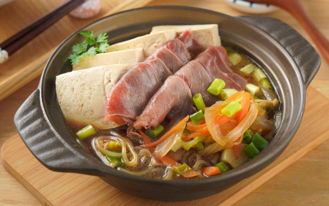 牛肉壽喜燒 只要 3 個步驟就能做好喔!