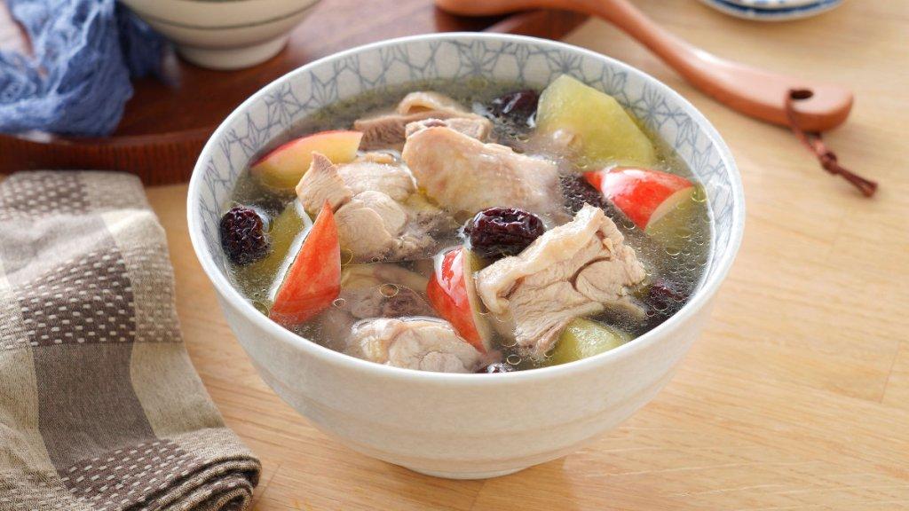 雞湯料理-蘋果紅棗雞湯