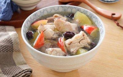 電鍋料理 清甜蘋果紅棗雞湯