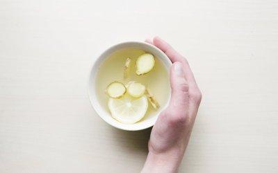 天冷手腳冰冷,吃老薑和乾薑的暖身效果比較好喔!