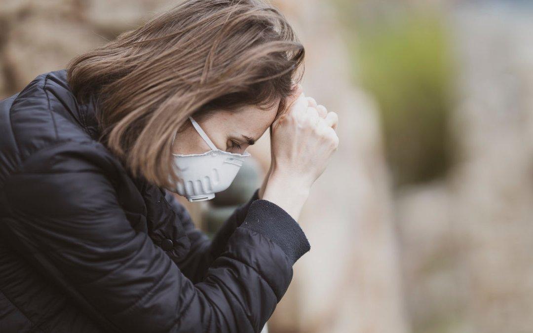 防疫 3 級延長戰 照顧者的身心健康怎麼顧?