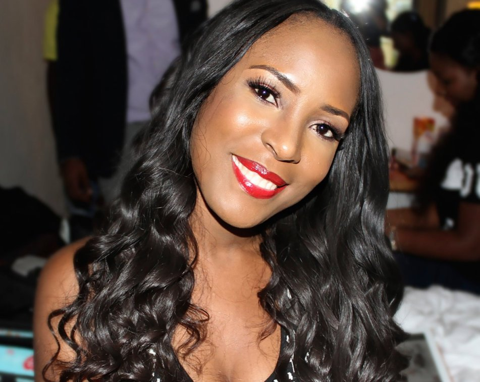 FORGET RECESSION!!! FAMOUS BLOGGER LINDA IKEJI SPENDS MILLIONS OF NAIRA TO BUY HER MUM A NEW CAR