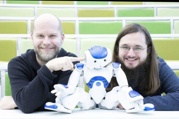 7 Reziser hry AI Kdyz robot pise hru Daniel Hrbek autonomni programovatelny humanoidni robot a pocitacovy lingvista Rudolf Rosa foto Richard Moucka e1614252288585