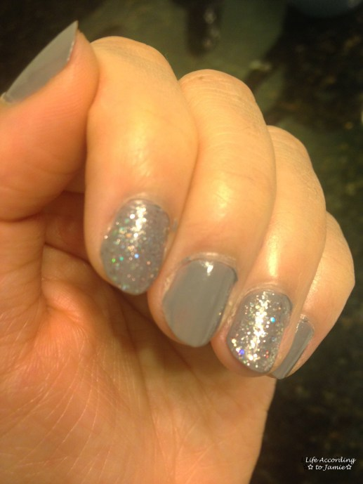 Sparkling Grey-Purple Nails 3
