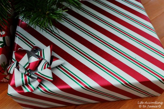 Gift Wrapping Bow 6