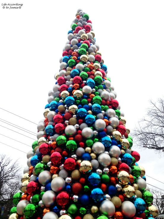 Six Flags - Ornament Tree