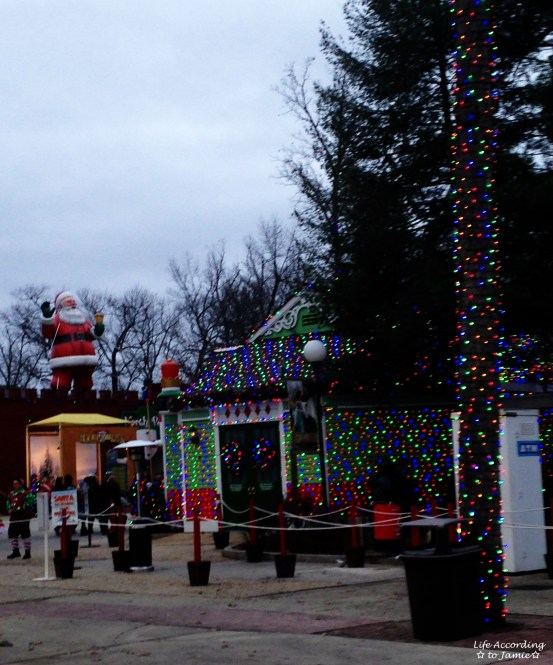 Six Flags - Santa's House 1